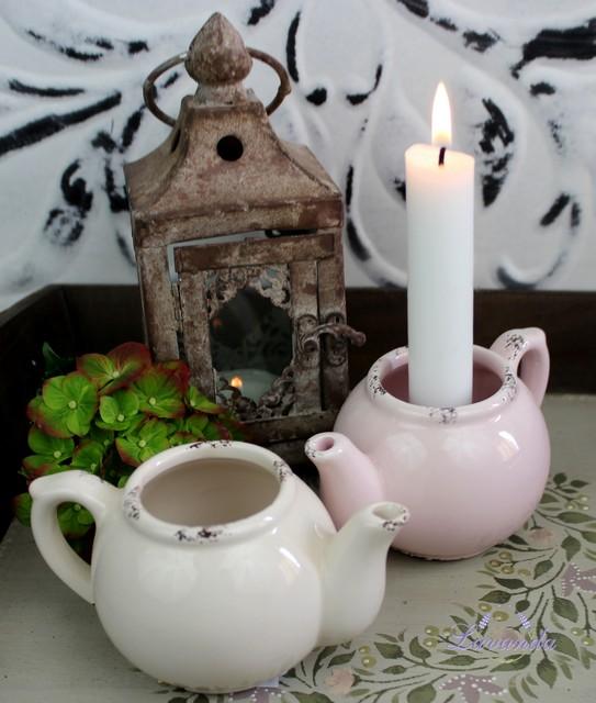 627254d0a Svietniček z keramiky v tvare čajníka